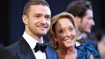HOLLYWOOD, CA - FEBRUARY 27:  Actor/singer Justin Timberlake and mother Lynn Harless arrive at the 83rd Annual Academy Awards held at the Kodak Theatre on February 27, 2011 in Hollywood, California.  (Photo by John Shearer/Getty Images)