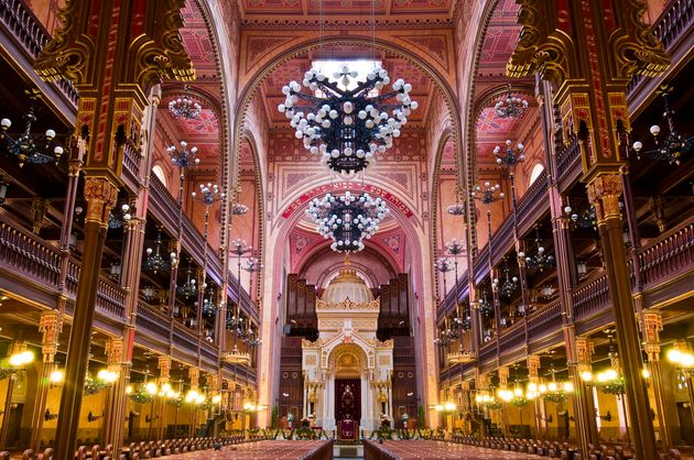 Europe, Hungary, Budapest, Pest, Dohany krt, the Great Synagogue (Zsinagoga), built by the Viennese architect Ludwig F