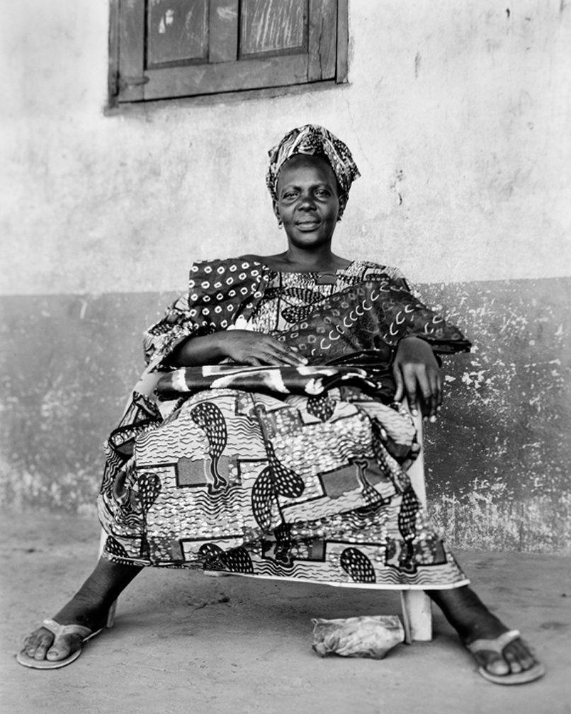 Fotografada em 22 de novembro de 2010. Têxteis, Gâmbia.