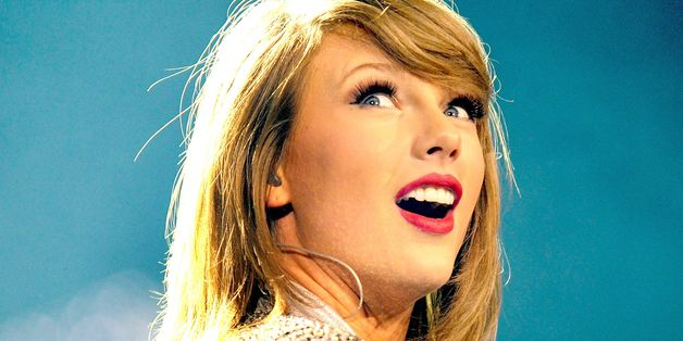 Taylor Swift Donates $50,000 To Young Fan With Cancer