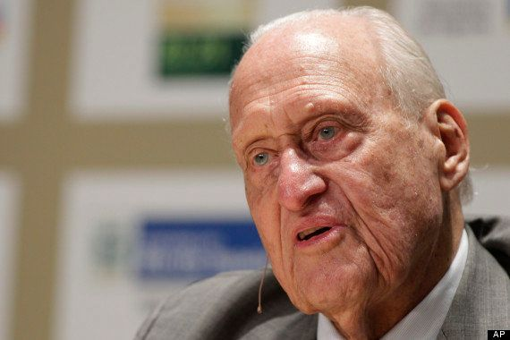"Former FIFA president <a href=""http://www.theguardian.com/football/2013/apr/30/joao-havelange-resigns-fifa"" target=""_blank"">J"