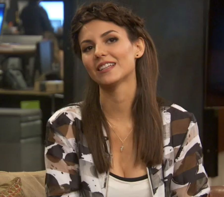 Victoria Justice chats with HuffPost Live.