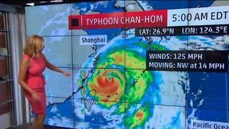 Typhoon Chan-hom nears China