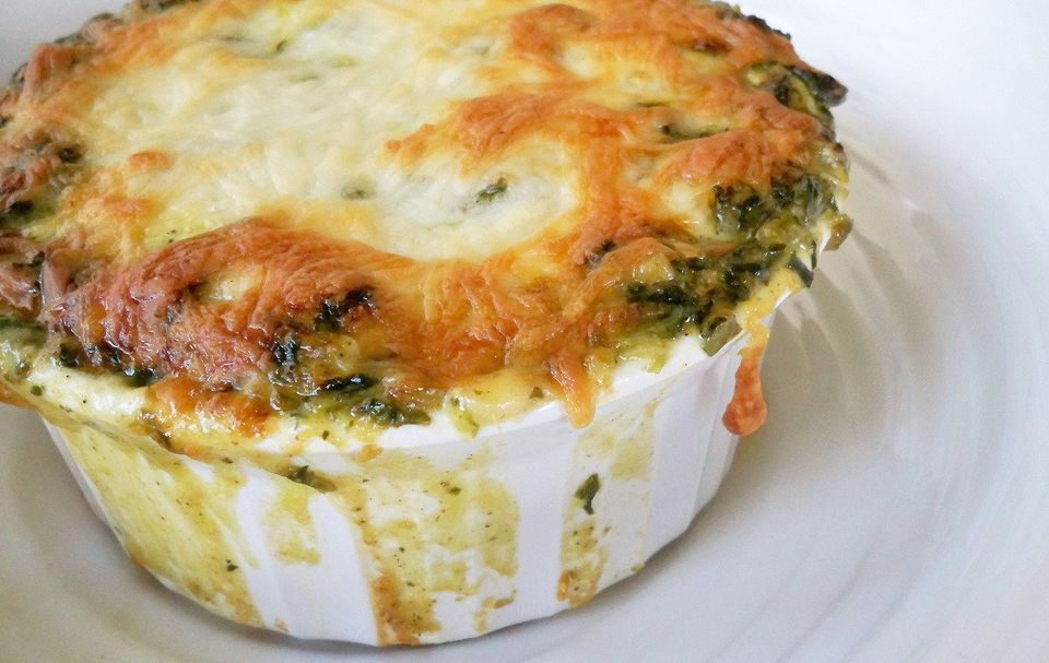 "<strong>Get the <a href=""http://cookbetterthan.wordpress.com/2012/11/01/brie-and-bacon-spinach-dip/"">Brie and Bacon Spinach D"