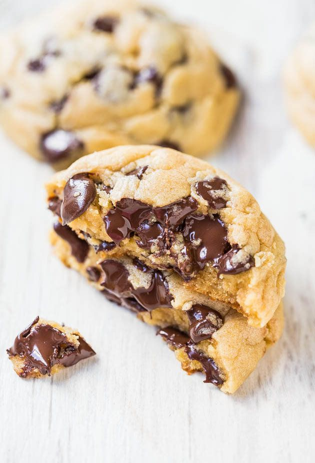 "<strong>Get the <a href=""http://www.averiecooks.com/2014/02/the-best-soft-and-chewy-chocolate-chip-cookies.html"" target=""_bla"