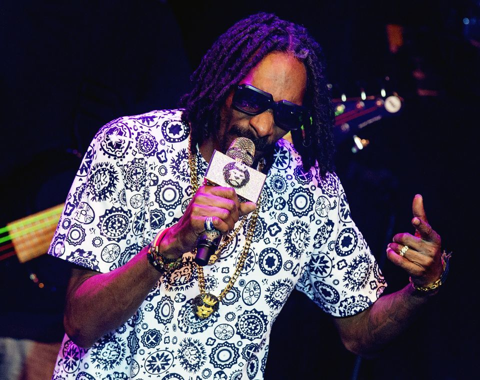 "<a href=""http://www.esquire.com/features/what-ive-learned/snoop-dogg-0708"" target=""_blank"">""It makes me feel the way I need t"