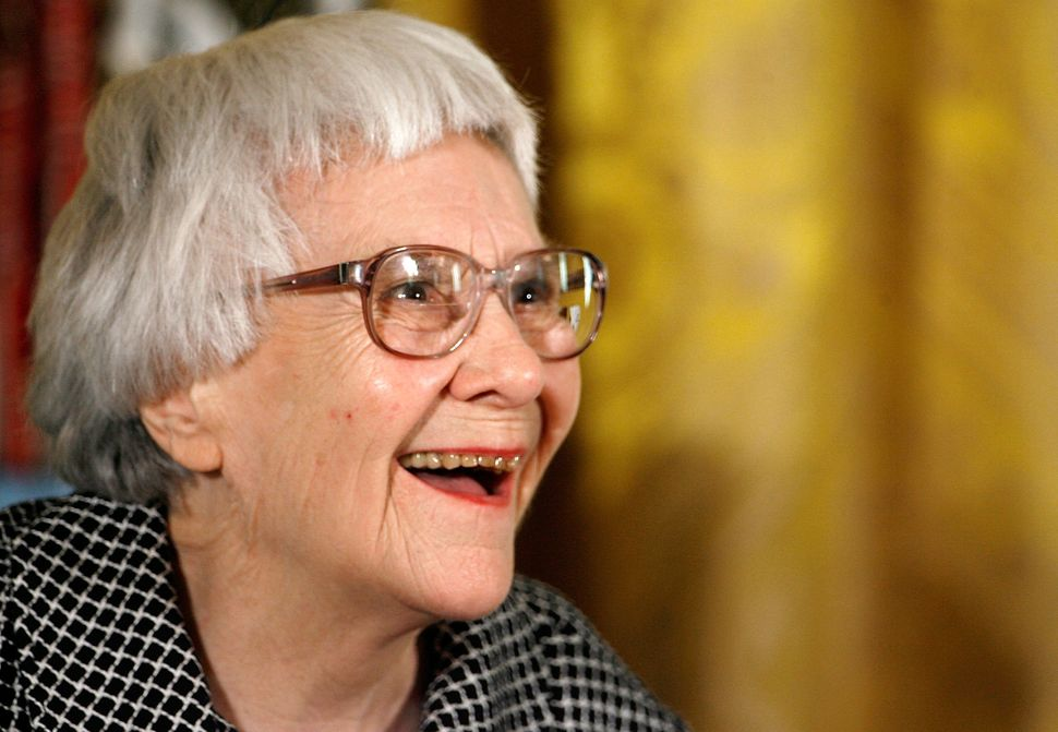 WASHINGTON - NOVEMBER 05:  Pulitzer Prize winner and 'To Kill A Mockingbird' author Harper Lee smiles before receiving the 20