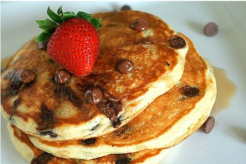 "<strong>Get the <a href=""http://www.annies-eats.com/2009/09/07/chocolate-chip-pancakes/"" target=""_blank"">Chocolate Chip Panca"