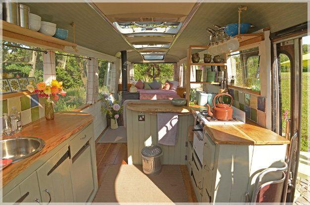 Tiny Majestic Bus House Is Pure Inspiration To De Clutter Our