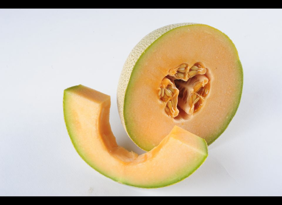 "Cantaloupe is not only nutritious -- it can actually <a href=""https://www.huffpost.com/entry/a-recipe-for-longevity_b_205355"""