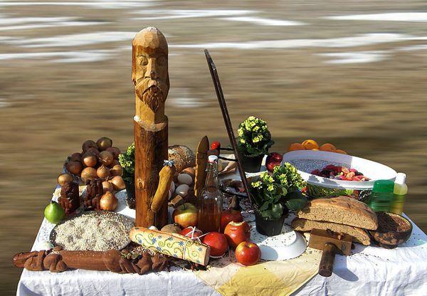 "Pagans often <a href=""http://books.google.co.za/books?id=44aJEQfacdoC&printsec=frontcover&dq=pagan+altars&hl=en&sa=X&ei=yhfxU"