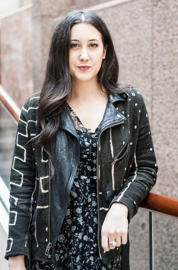 "Musician Vanessa Carlton <a href=""https://www.huffpost.com/entry/vannesa-carlton-im-bisexu_n_618697"" target=""_blank"">came out"