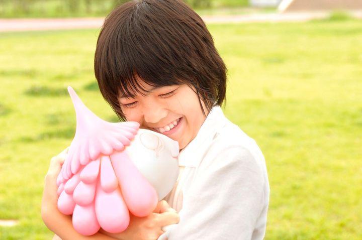 Takuto Sueoka as Masashi Kusakabe in a scene from JELLYFISH EYES.