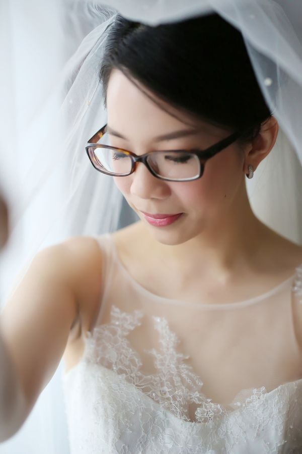 12 Bespectacled Brides Who Rocked Glasses At Their