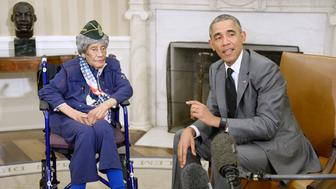 WASHINGTON, DC - JULY 17:  U.S. President Barack Obama meets with the oldest living woman veteran, 110-year-old Emma Didlake in the Oval Office of the White House on July 17, 2015 in Washington, D.C. (Photo by Olivier Douliery-Pool/Getty Images)
