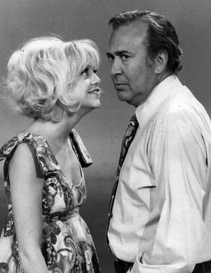 Actors Goldie Hawn and Carl Reiner together in 1970.