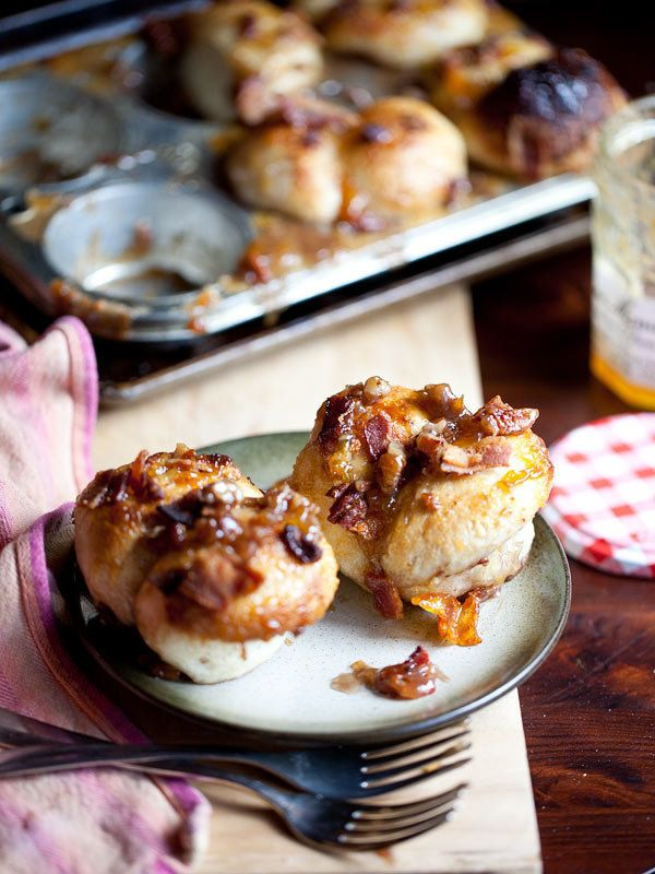 """<strong>Get the <a href=""""http://www.foodiecrush.com/2012/10/bacon-and-jam-mini-monkey-bread-recipe-madness/"""" target=""""_blank"""">"""