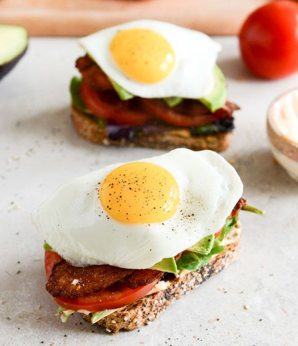 "<strong>Get the <a href=""http://www.howsweeteats.com/2013/03/avocado-blts-with-spicy-mayo-and-fried-eggs/"" target=""_blank"">Av"