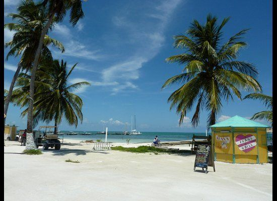 """For many years <a href=""""http://internationalliving.com/countries/belize/"""" target=""""_hplink"""">Belize </a>has attracted people fr"""