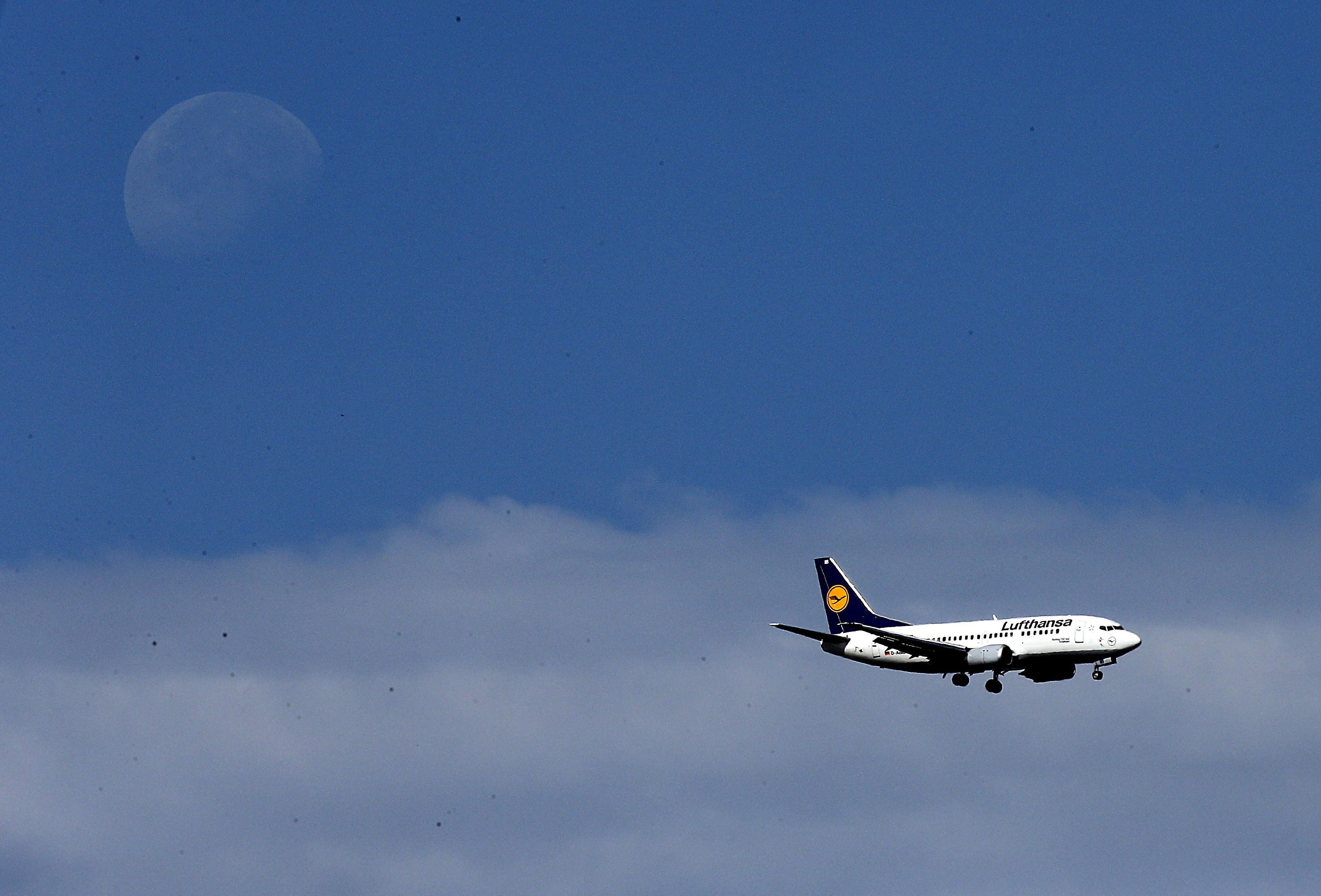 <p>A Lufhansa passenger plane approaches landing. (AP Photo/Frank Augstein)</p>