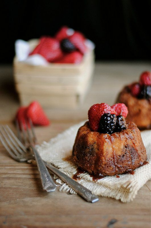 """<strong>Get the <a href=""""http://www.howto-simplify.com/2012/05/mini-fruit-and-chocolate-bundt-cakes.html"""" target=""""_blank"""">Min"""