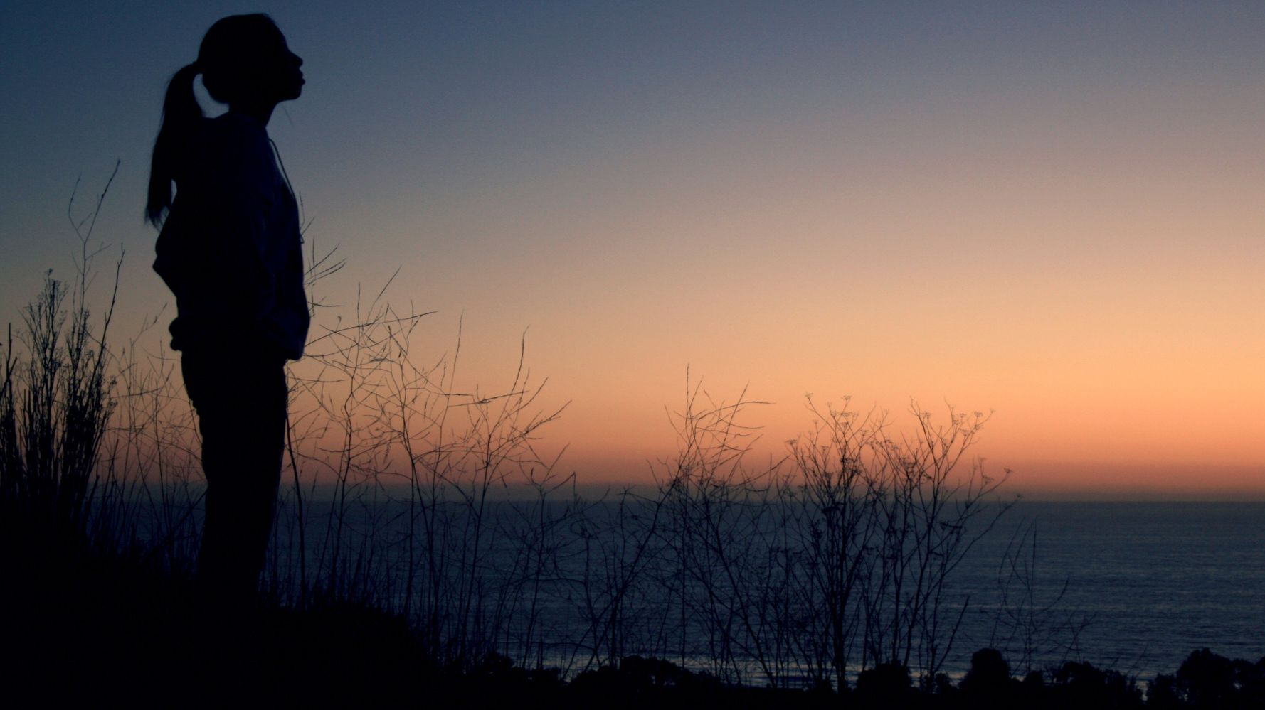 4 Sneaky Signs You're Lonely (And What To Do About It