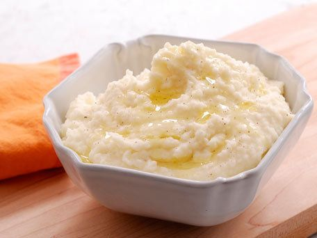 """<strong>Get the <a href=""""http://www.huffingtonpost.com/2011/10/27/creamy-horseradish-mashed_n_1055090.html"""">Creamy Horseradis"""