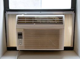Man Calls 911 To Get Air Conditioner Fixed, Police Say