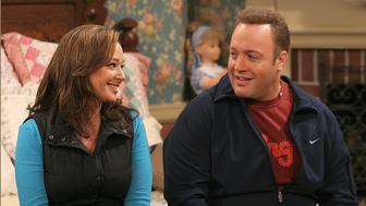 "LOS ANGELES - SEPTEMBER 23: ""Inn Escapable"" -- Doug (Kevin James, right) and Carrie (Leah Remini, left) stars on The King of Queens scheduled to air on the CBS Television Network. (Photo by Robert Voets/CBS via Getty Images)"