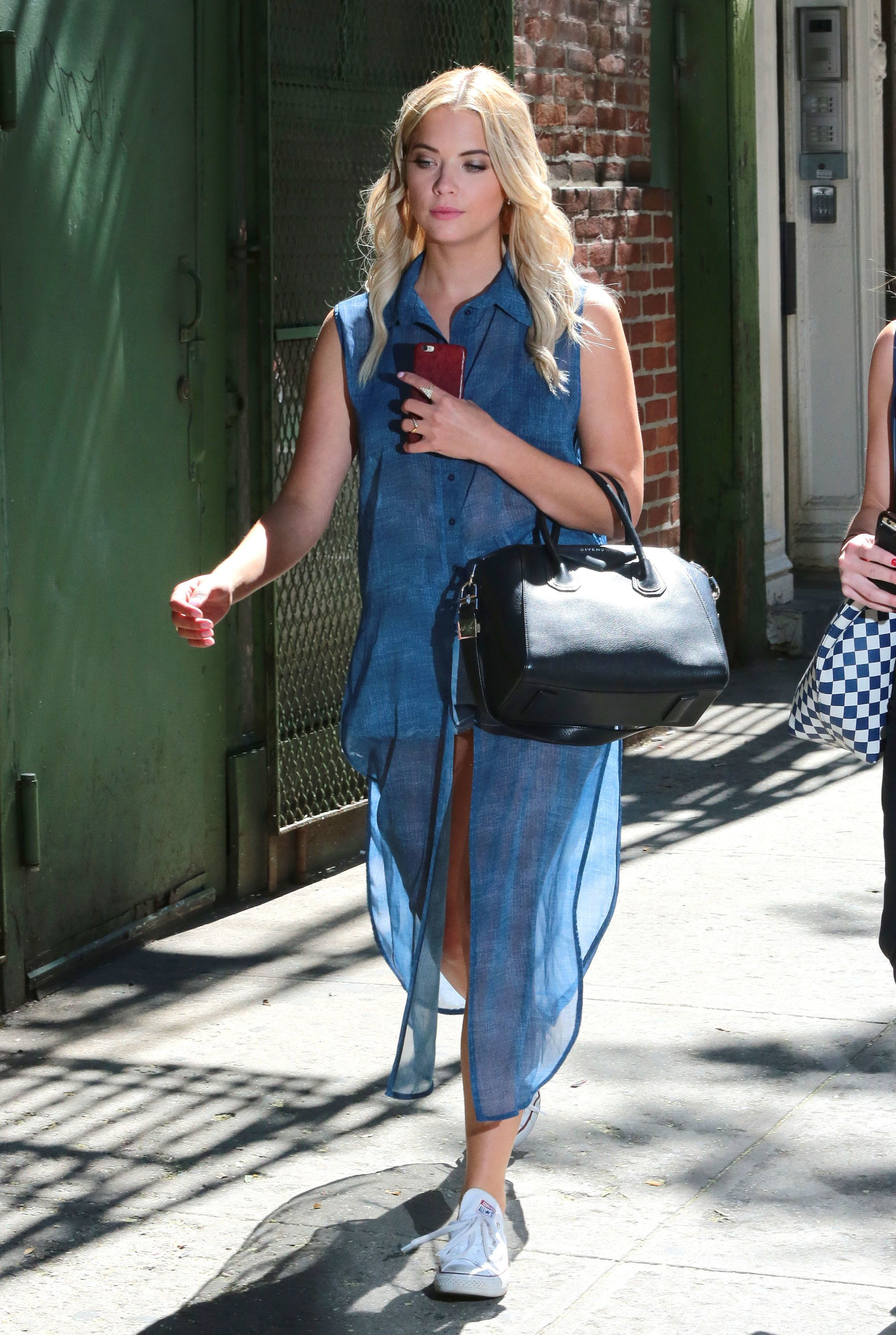 "51806473 ""Pretty Little Liars"" star Ashley Benson texts on her cell phone while out and about in New York City, New York on July 23, 2015. Ashley has been busy doing the promotional rounds for her new film ""Pixels."" FameFlynet, Inc - Beverly Hills, CA, USA - +1 (818) 307-4813"