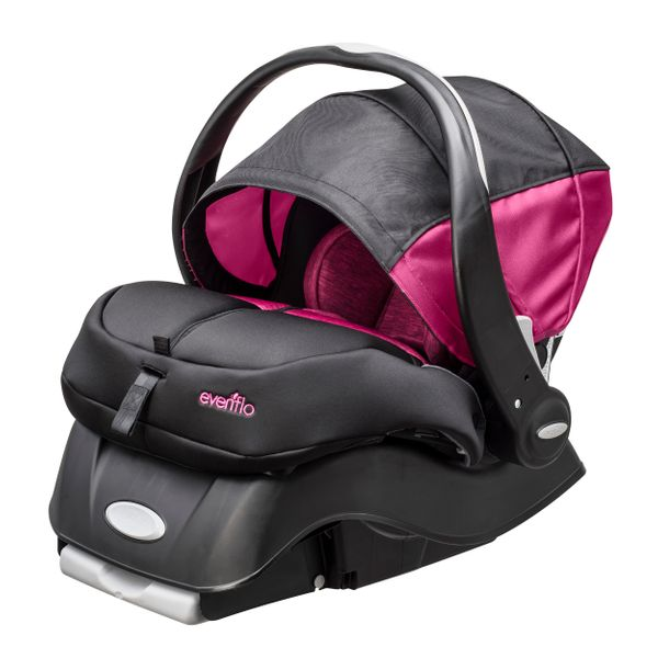 walmart introduces car seat that could prevent infant heat stroke death huffpost. Black Bedroom Furniture Sets. Home Design Ideas