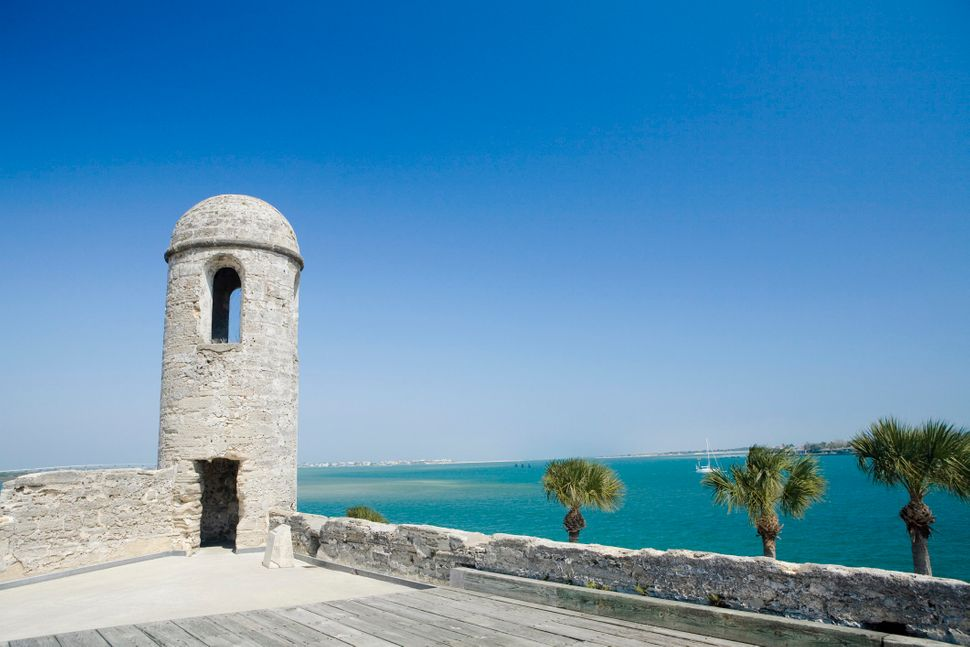 """<a href=""""http://staugustine.com/history/castillo-de-san-marcos"""">After an attack from the English pirate Robert Searles</a><a"""