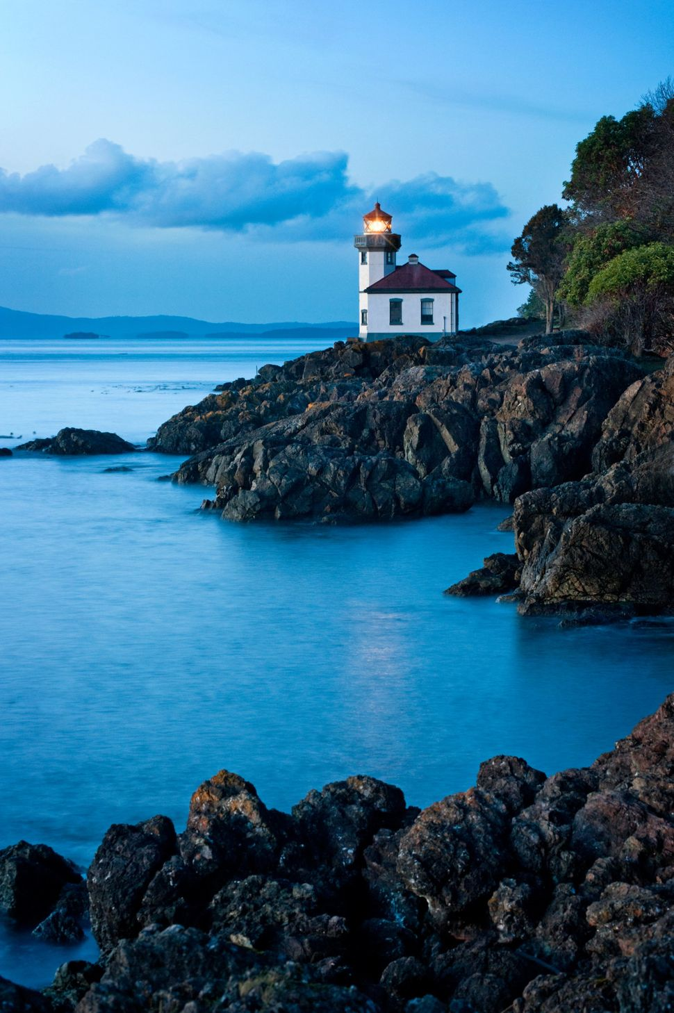 """These quaint islands are<a href=""""http://www.visitsanjuans.com/what-to-do/san-juan-island/whale-watching"""">one of the bes"""