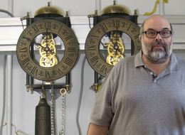Scientists Figure Out Pendulum Clock Puzzle That Dates Back Centuries