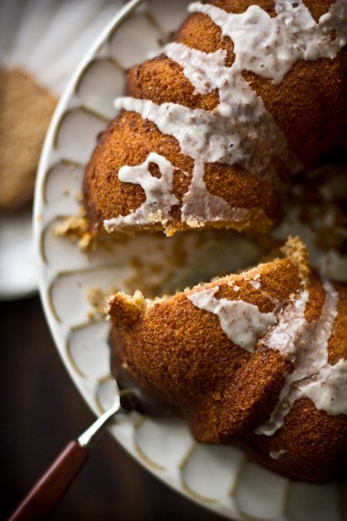 "<strong>Get the<a href=""http://www.adventures-in-cooking.com/2012/01/blood-orange-bundt-cake.html"" target=""_blank""> Blood Ora"
