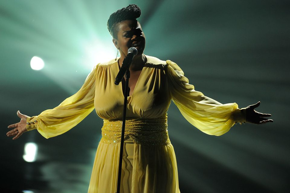 NEW YORK, NY - DECEMBER 18:  Jill Scott performs onstage during VH1 Divas Celebrates Soul at Hammerstein Ballroom on December