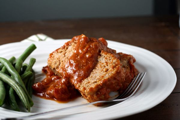 "<strong>Get the <a href=""http://food52.com/recipes/25460-mom-s-barbecued-meatloaf"" target=""_blank"">Mom's Barbecued Meatloaf r"