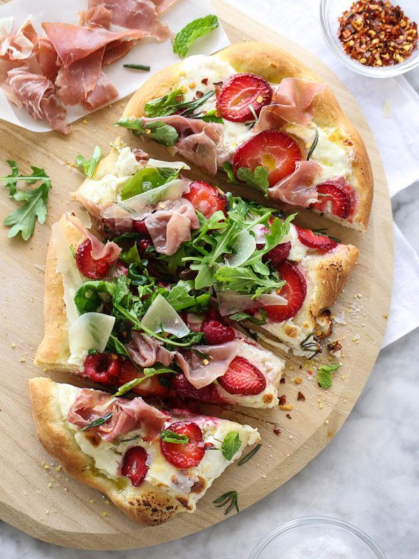 """<strong>Get the <a href=""""http://www.foodiecrush.com/2014/04/berry-with-arugula-and-prosciutto-pizza/"""" target=""""_blank"""">Berry W"""