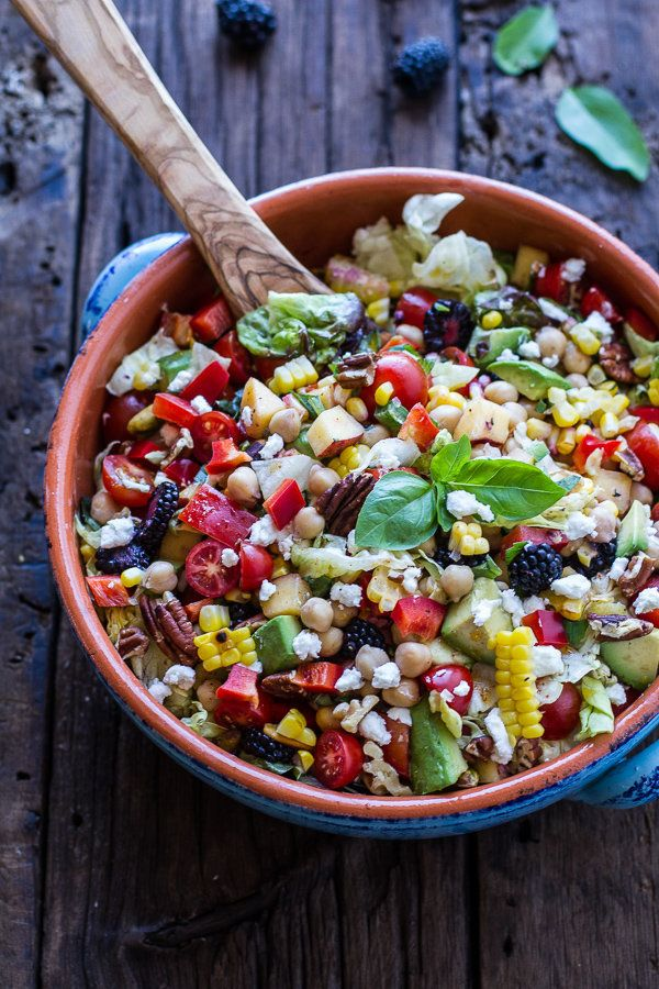 "<strong>Get the <a href=""http://www.halfbakedharvest.com/easy-summer-herb-chickpea-chopped-salad-goat-cheese/"" target=""_blank"