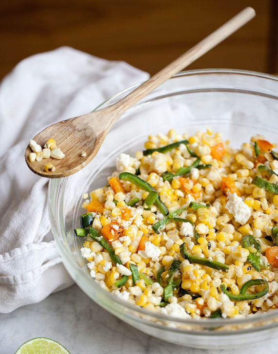 "<strong>Get the <a href=""http://www.foodiecrush.com/2012/08/grilled-corn-pasilla-pepper-salad-recipe/"" target=""_blank"">Grille"
