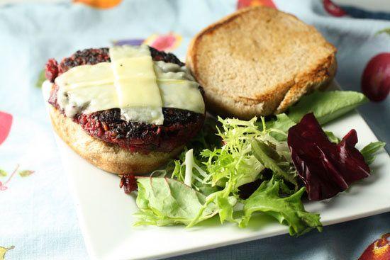 Tricks To Making Veggie Burgers That Don't Suck | HuffPost