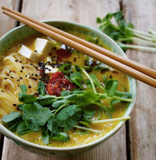 """<strong>Get the <a href=""""http://inpursuitofmore.com/2014/02/19/10-minute-meal-butternut-squash-ramen-bowl-with-rice-noodles-t"""