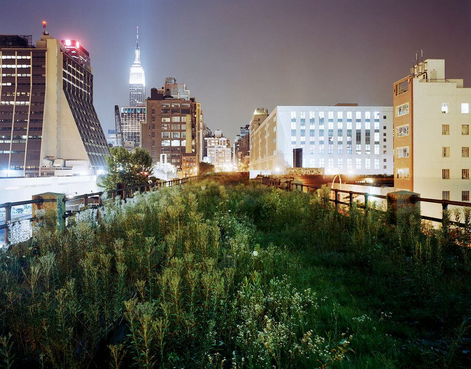 The Highline. Above 34th Street, eastward, in 2004.