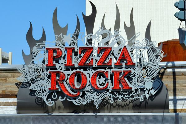 "Try: <a href=""http://pizzarocklasvegas.com/"">Pizza Rock</a>, an appropriately wild-looking spot that ""takes pizza to the next"
