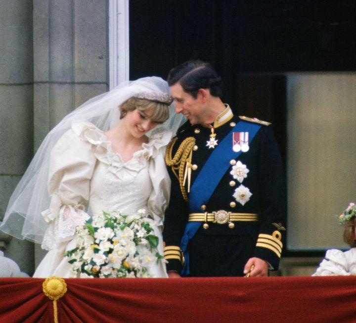 A Look Back On Princess Diana And Prince Charles Legendary Wedding Huffpost