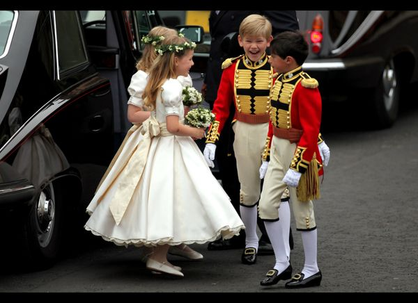 Flower girls and page boys arrive at the royal wedding. (AFP photo)