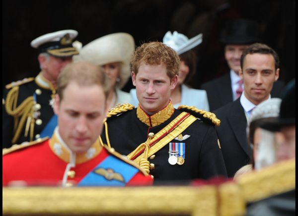 Prince Harry and James Middleton follow Prince William after the royal wedding ceremony. (AFP photo)