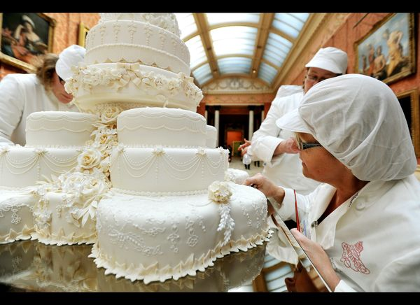Chefs putting the final touches on the royal wedding cake. (Getty photo)