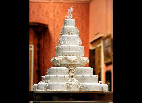 The royal wedding cake. (AFP photo)