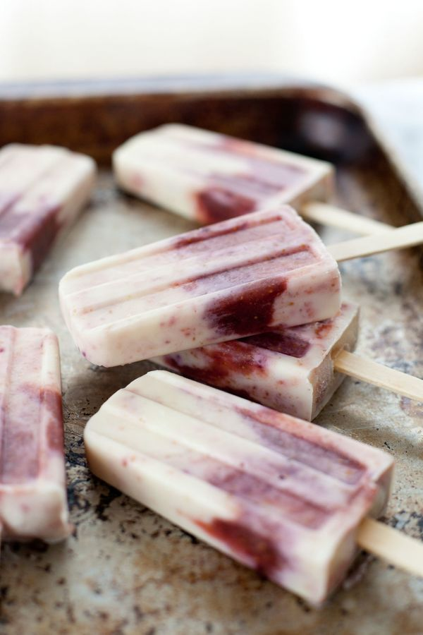 """Get the <a href=""""http://www.snixykitchen.com/2014/08/07/honey-roasted-fig-and-goat-cheese-popsicles/"""">Honey Roasted Fig &"""